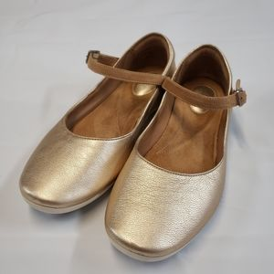 Clarks Feature Film Mary Jane Shoes Gold Size 4X